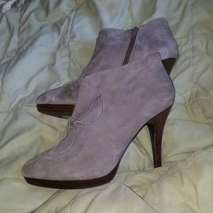 New BANANA REPUBLIC gray suede BOOTIES, Size 10M